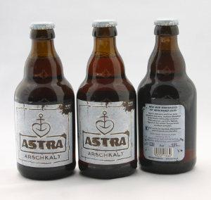 Astra Arschkalt Steinie Flaschen